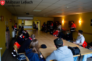 Kurzes Briefing vor der Aktion
